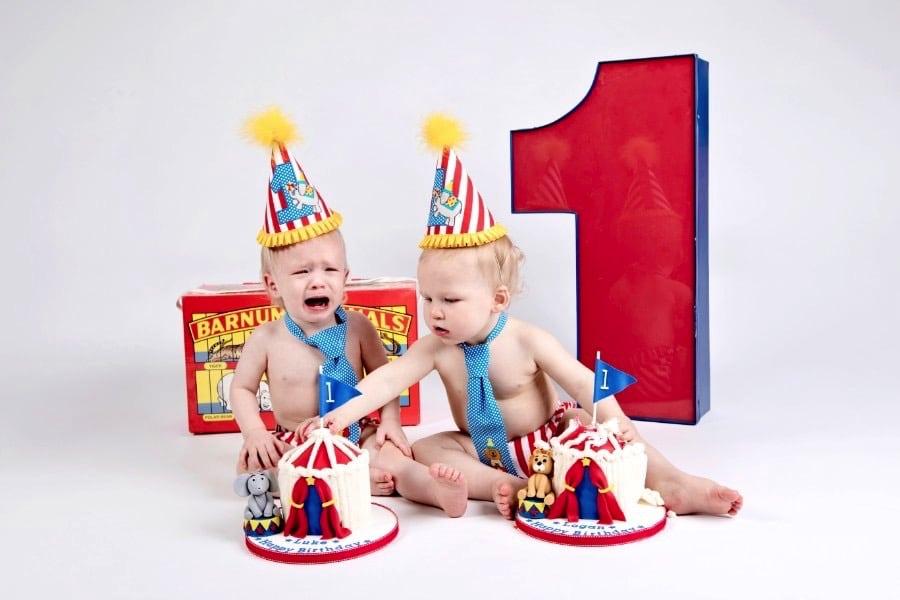 Twins Plus Big Sis Make for Fun Family Photos