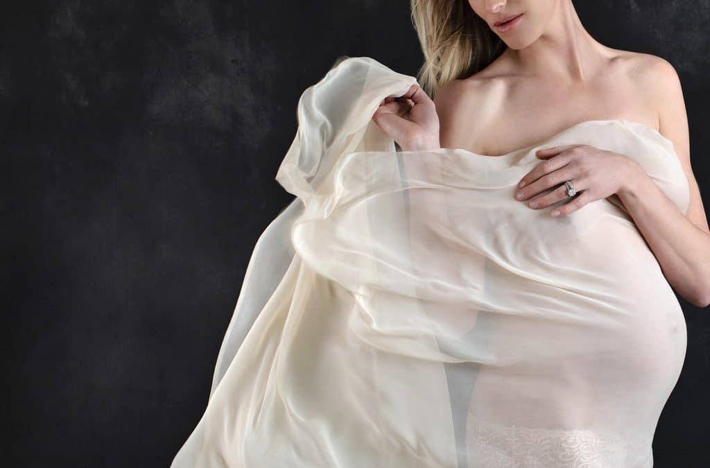 Feeling Bold in the Studio | Dallas | Maternity Sessions