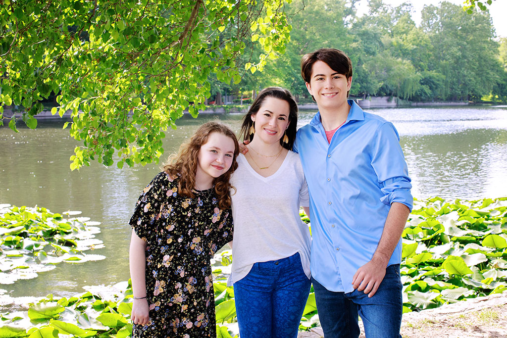 gorgeous spring family session with two teen kids and their mom