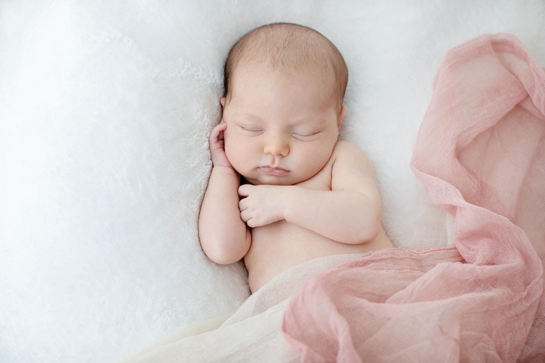 newborn cuteness in dallas studio session with Miette photography